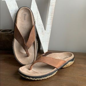 BASS SUV Men's leather thong Sandals size 12